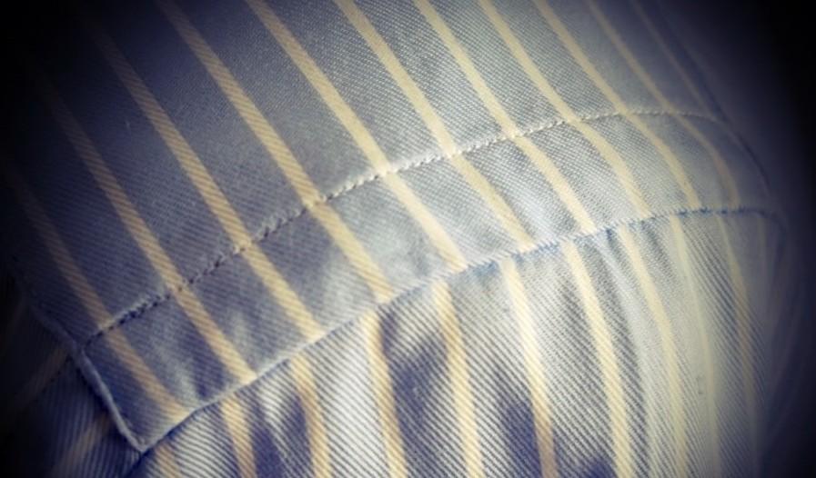 Unmatched-pattern-on-shoulder-900x674